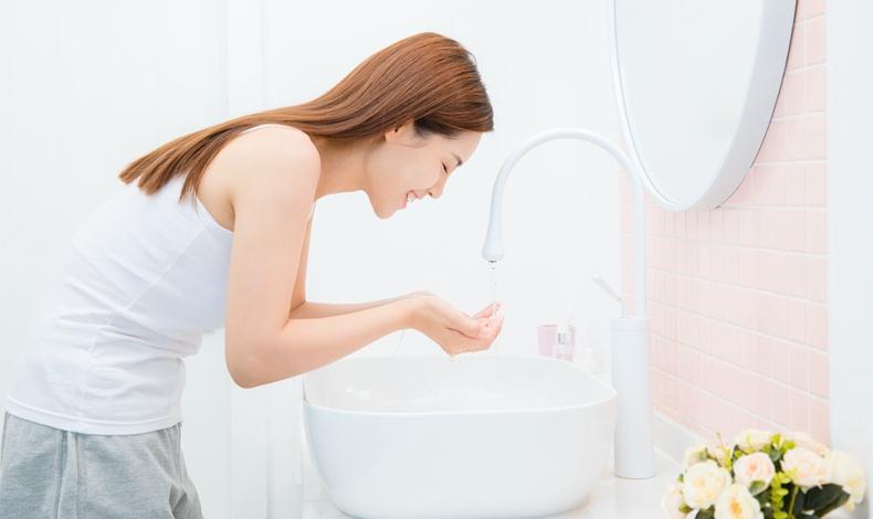 敷完面膜用洗脸吗 怎么正确清洗脸部
