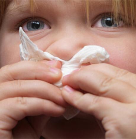 宝宝夏天感冒流清鼻涕怎么办