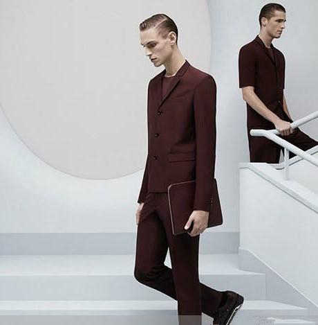 男生夏季职场怎么穿搭 西装仍是空调房人们的最爱